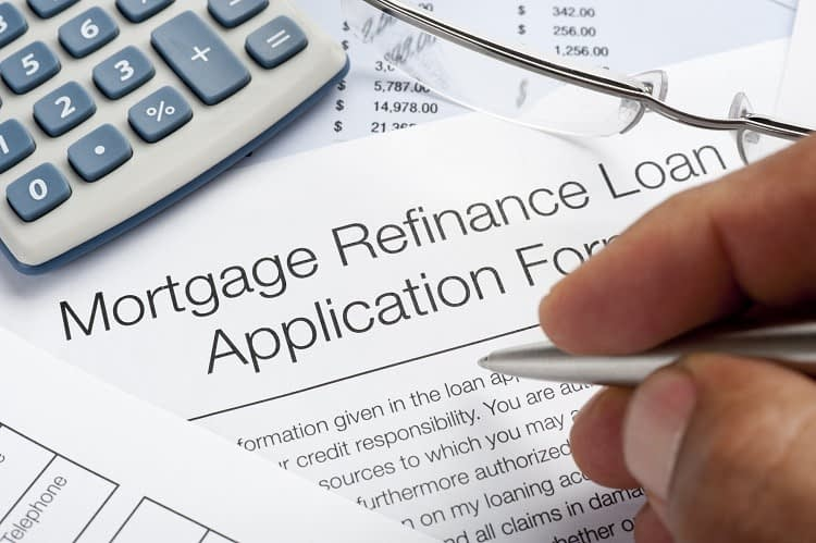 Half a percentage point enough to tempt investors to new lenders